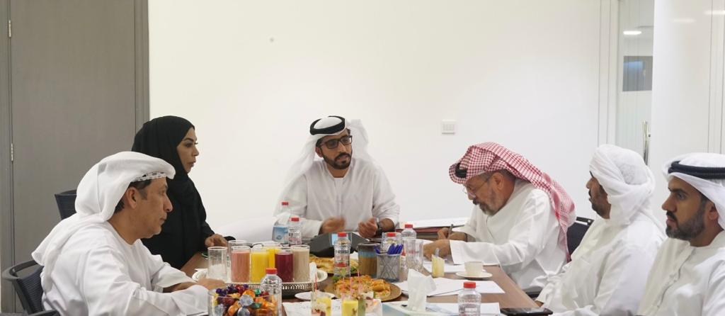 الصحفيين الإماراتية تعتمد قواعد منح الدراسات الجامعية والعليا وتطوير اللغة